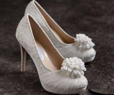 35 عکس از مدل کفش عروس 2017 96
