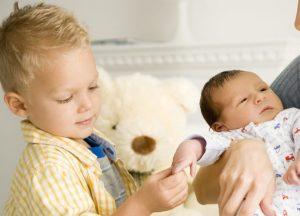 بهترین روش درمان حسادت کودک