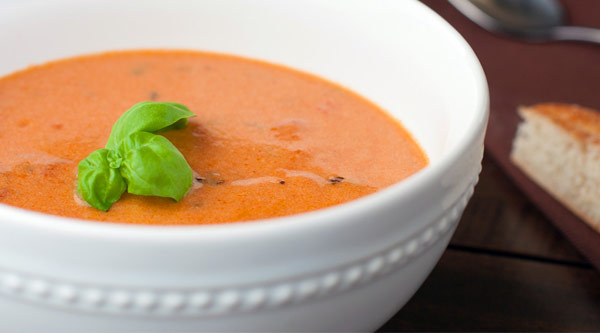 طرز تهیه سوپ گوجه فرنگی مقوی و سبک