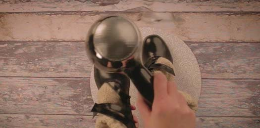 گشاد کردن کفش