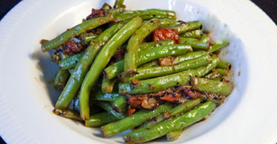 طرز تهیه خوراک لوبیا سبز خوشمزه با قارچ تازه