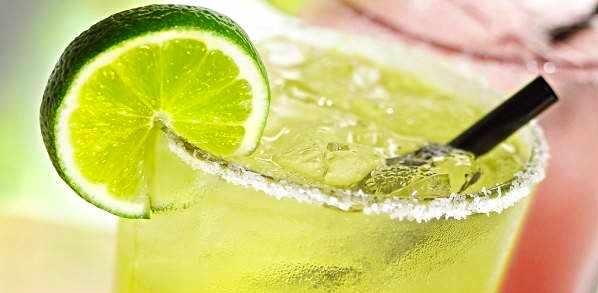 تهیه شربت به لیمو خوشمزه برای رفع تشنگی