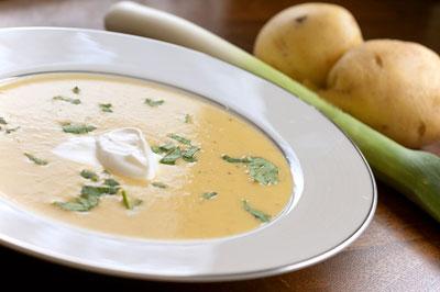 طرز تهیه سوپ تره فرنگی خوشمزه و مقوی