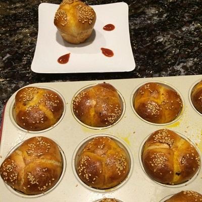 تهیه نان مغزدار خانگی