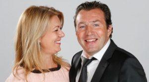 کمک همسر ویلموتس - مارک ویلموتس و همسرش