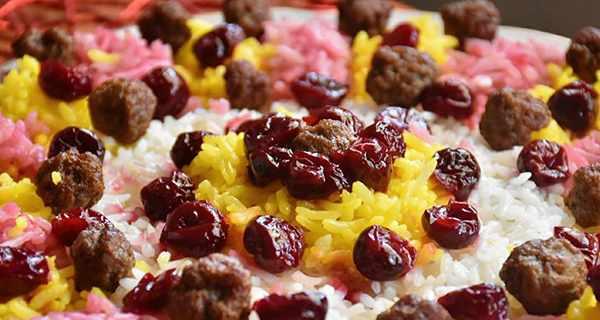 آلبالو پلو خوشمزه شیرازی